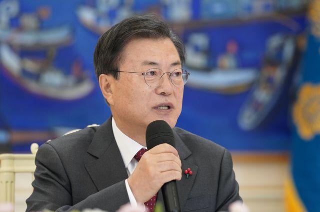 """文 """"윤석열 복귀 법원 결정 존중,인사권자로서 사과"""""""